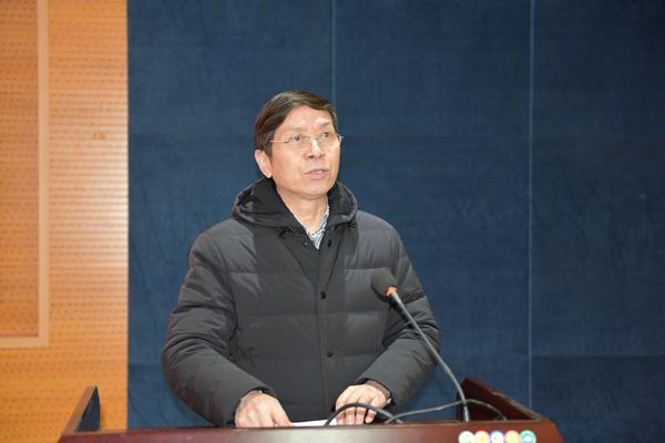 王明军副院长主持结业典礼.JPG